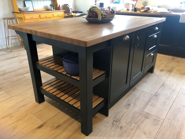 Island with oak worktop