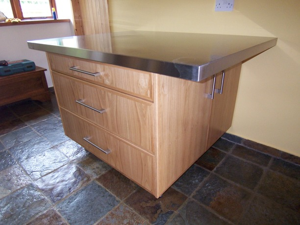 Island unit with stainless steel top